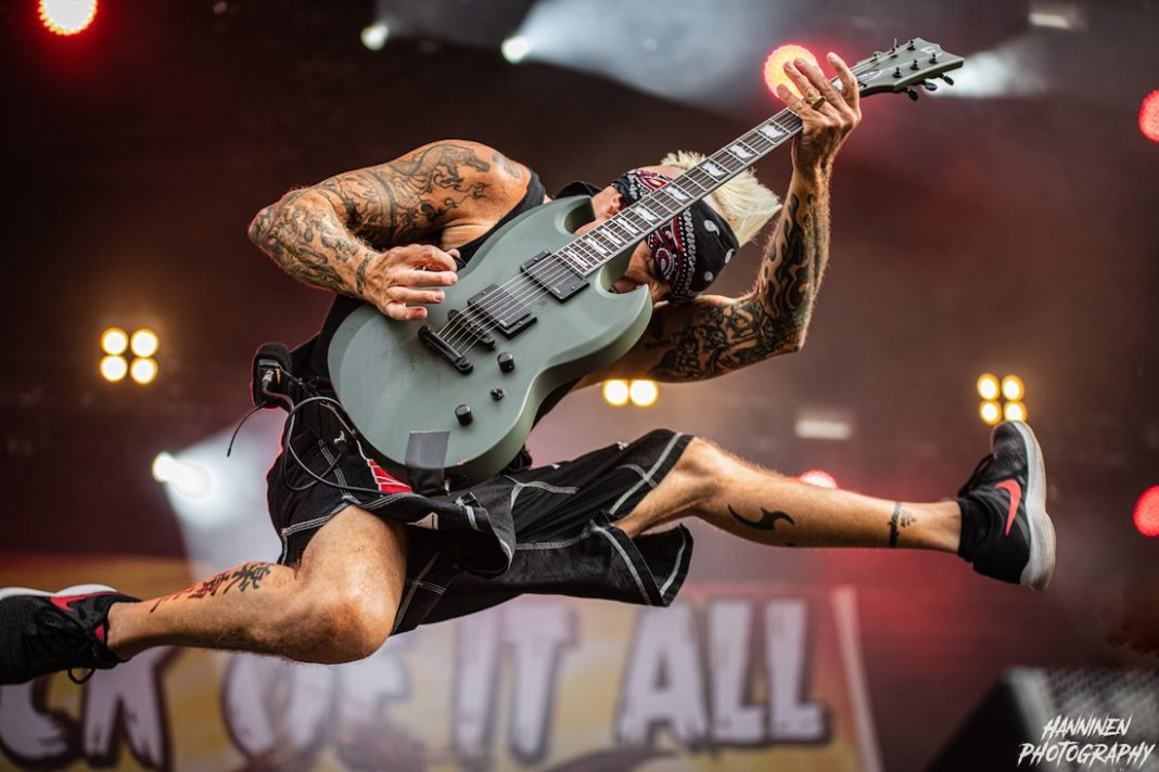 Pete Koller from SICK OF IT ALL in action. Photo by Patty Gonzales